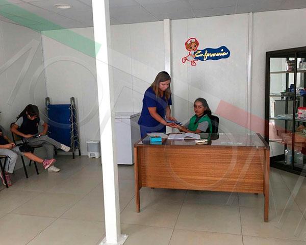 Construcción con paneles prefabricados en chile - Enfermeria modular
